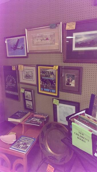 Find a variety of decorative picture and paintings you are sure to love.